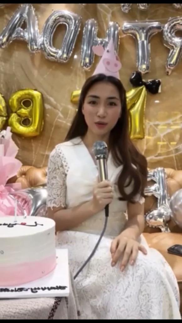 Hoà Minzy, sao Việt, sinh con, đám cưới,