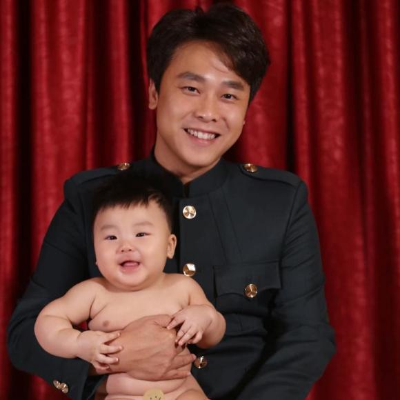 Hòa Minzy, con trai Hòa Minzy, con sao việt
