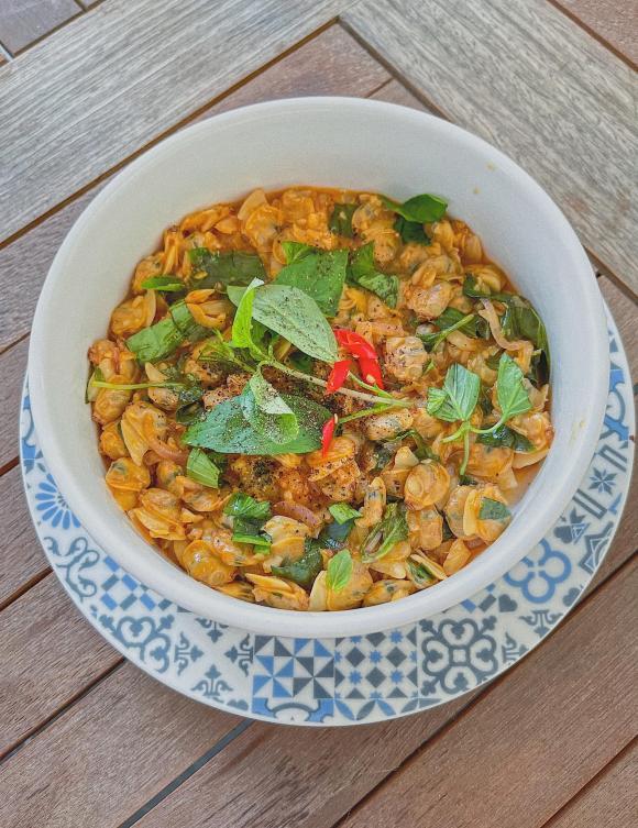 Lan Khuê, Lan Khuê nấu ăn, sao Việt