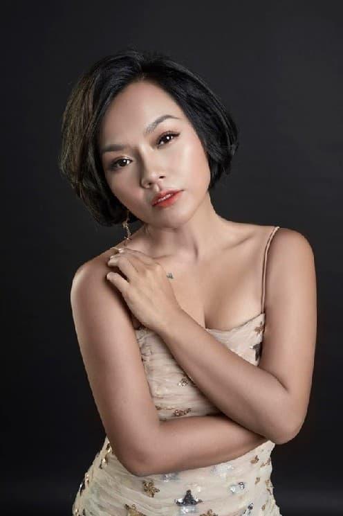 danh hài Hoài Linh, ca sĩ Thái Thuỳ Linh, sao Việt