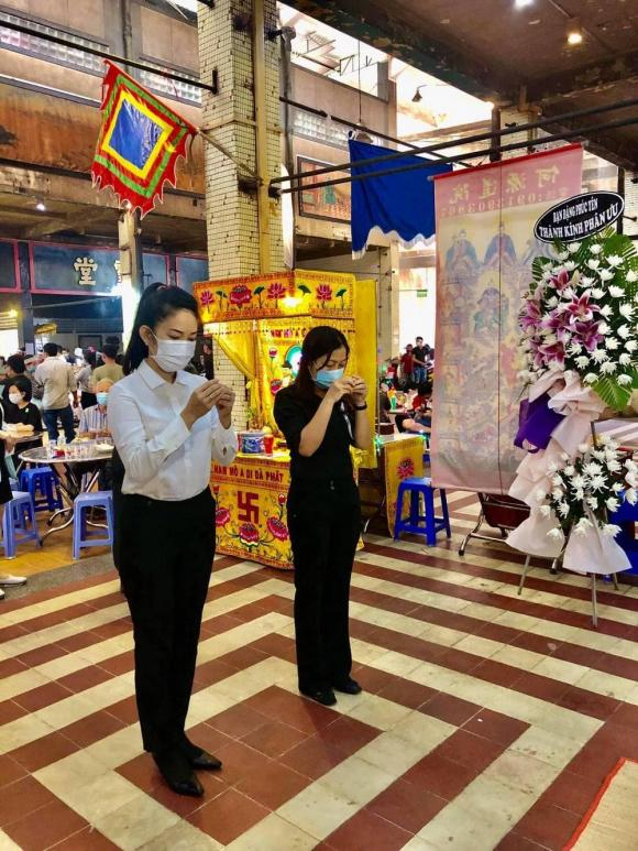 MC Cẩm Liên, sao Việt, đám tang