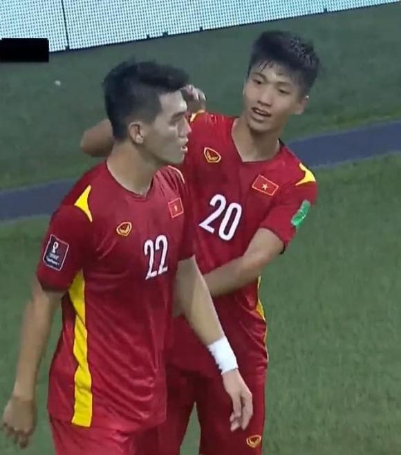 Phan Văn Đức, vợ Phan Văn Đức, đội tuyển bóng đá Việt Nam
