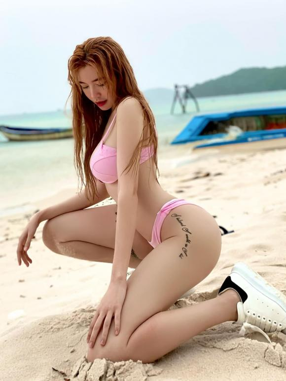 Elly Trần, Elly Trần bikini, sao việt