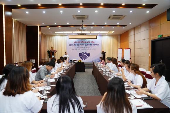 Nguyễn Giang, Trung tâm đào tạo quốc tế Herrin