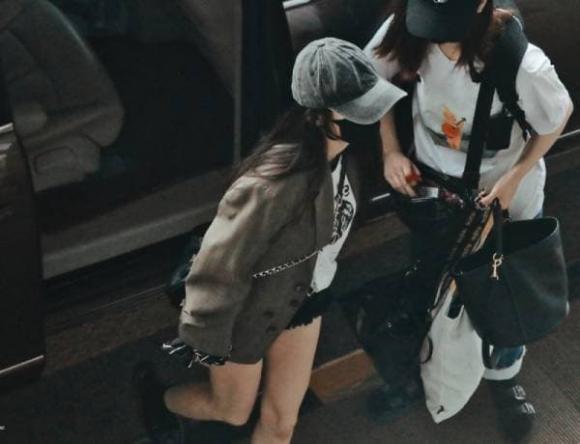 dương mịch, phụ kiện, thời trang sân bay, sao hoa ngữ