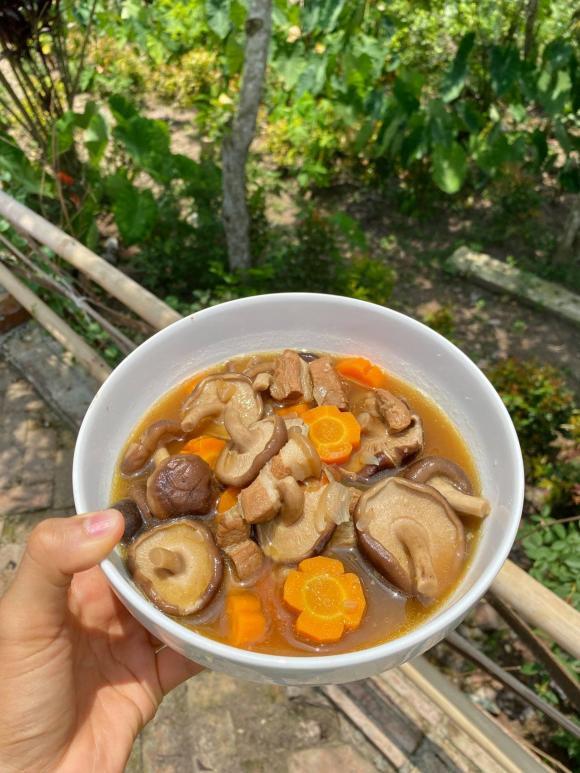 MC Minh Trang, thịt kho nấm hương, món ngon từ nấm