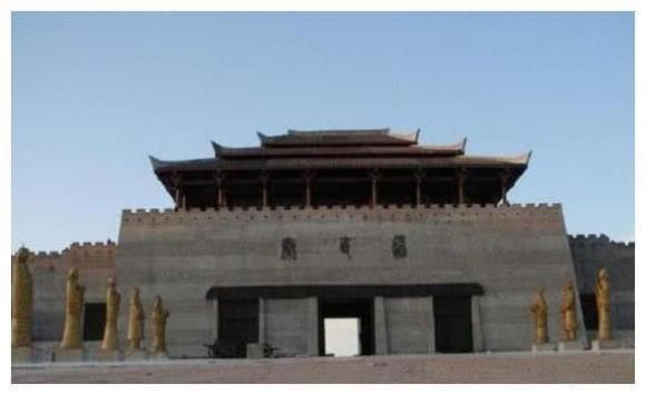 Tần Thủy Hoàng, Đường Tần Chí, công trình kiến trúc xưa