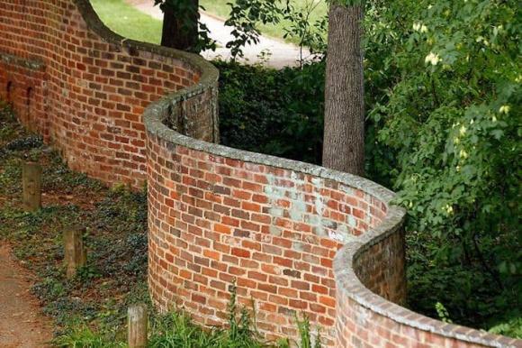 tường sóng, tường cong, kiến trúc độc đáo