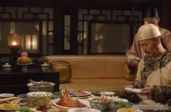 thời phong kiến, hạ độc, hoàng đế, bữa ăn của vua