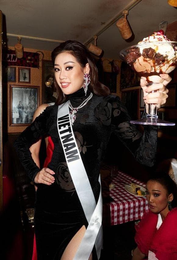 Khánh Vân, Hoàng Thùy, Miss Universe