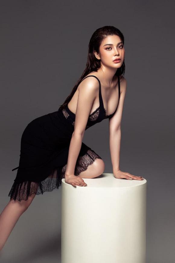 Lily Chen, Ngọc Trinh, sao việt