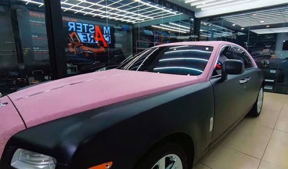 Ngọc Trinh, xe màu hồng của Ngọc Trinh, mẫu xe Rolls-Royce