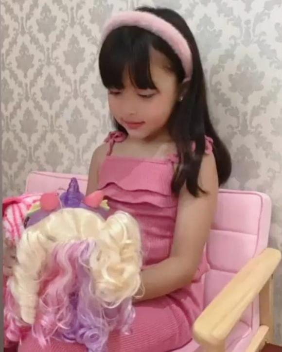 bé zia, con gái marian rivera, mỹ nhân đẹp nhất philippines, má lúm đồng tiền