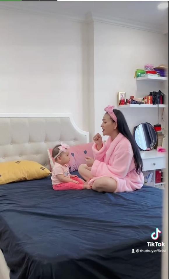 ca sĩ Thu Thủy, con gái ca sĩ Thu Thủy, sao Việt