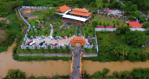 NSƯT Hoài Linh, Sao Việt, Nhà thờ Tổ