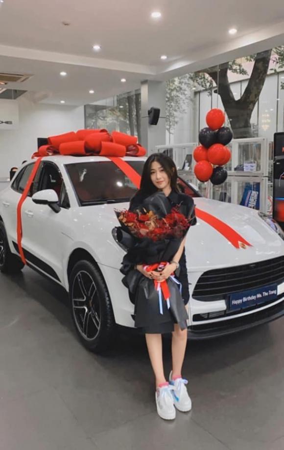 Trang Lou, em gái Huyme, xe Porsche