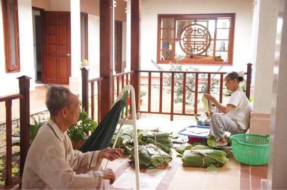 Hồng Ánh, Hữu Châu, Chi Bảo, tang sự, sao Việt