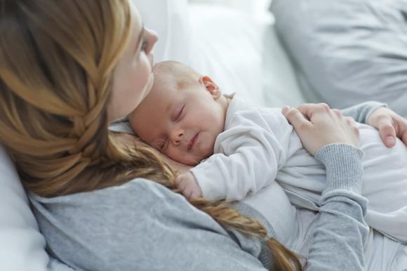 phụ nữ nên sinh sớm hay muộn, phụ nữ sinh con khi nào, lưu ý khi sinh con