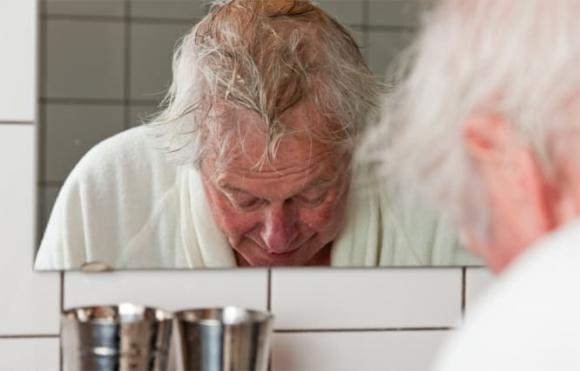 mùi người già, sức khỏe người già, sức khỏe người cao tuổi