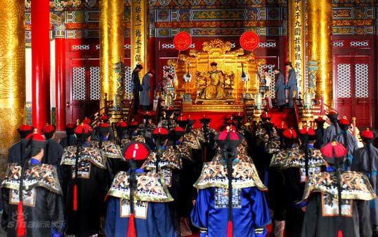 một ngày của Hoàng Đế trôi qua như thế nào, hoàng đế, vua, thời gian biểu của hoàng đế