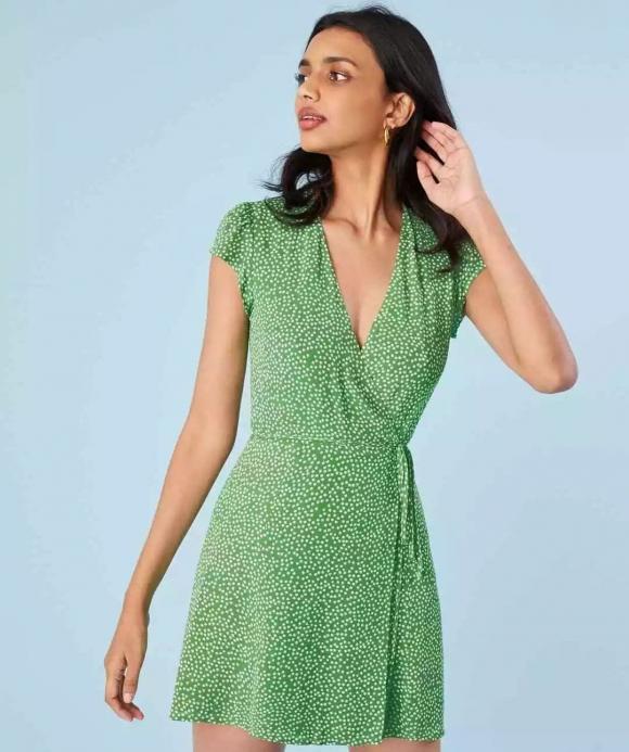 váy chấm bi, thiết kế váy chấm bi, thời trang mùa hè 2021