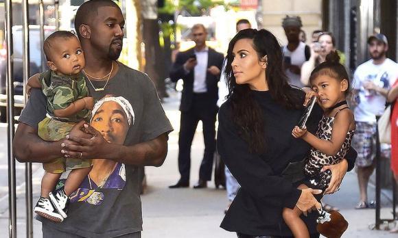 kim kardashian, Siêu vòng 3, thời trang của Kim Kardashian, Kanye West