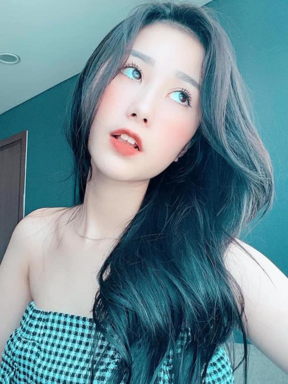 cô vợ quốc dân, Thủy Tiên, Tiểu Hý