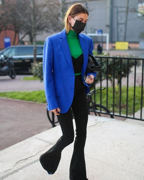 hailey bieber, thời trang haileyber, cách mặc blazer đẹp