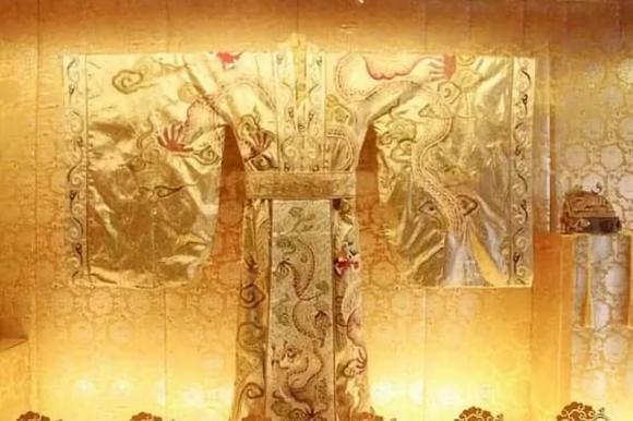 Tần Thủy Hoàng, Triều đại nhà Tần, long bào của hoàng đế, lịch sử Trung Quốc, lịch sử Trung Hoa