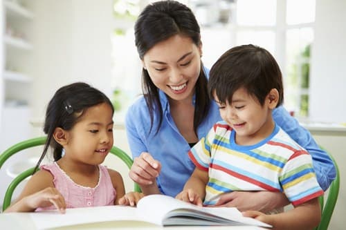 chăm sóc trẻ nhỏ, lưu ý khi chăm sóc trẻ, cách giáo dục trẻ đúng cách