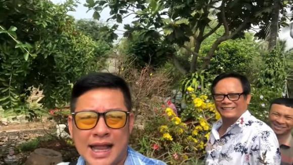 Nghệ sĩ Tấn Hoàng, Nam nghệ sĩ, Sao Việt