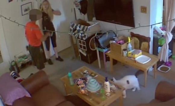 thuê nhà trọ, cảnh giác khi thuê nhà trọ, camera trong phòng