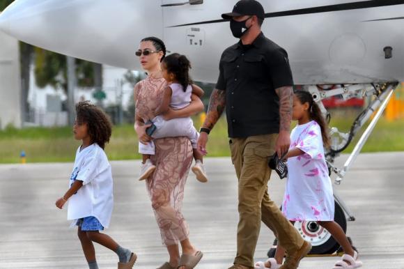 kim kardashian, Siêu vòng 3, thời trang của Kim Kardashian