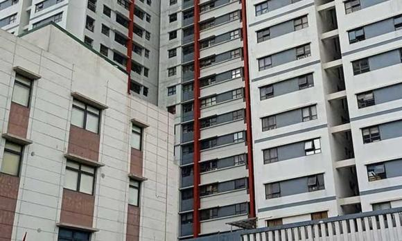 Bé gái rơi từ tầng 12 chung cư, chung cư Linh Đàm, tử vong