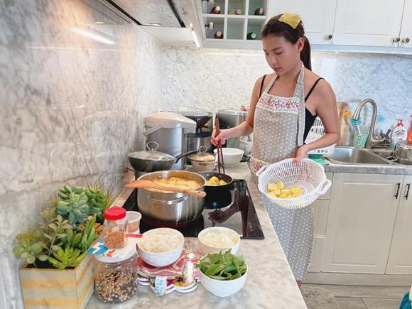 Thúy Diễm, Lương Thế Thành, nấu ăn, nội trợ, sao Việt,