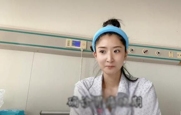 Hoa hậu Trung Quốc bật khóc khi livestream tiết lộ mắc ung thư giai đoạn cuối
