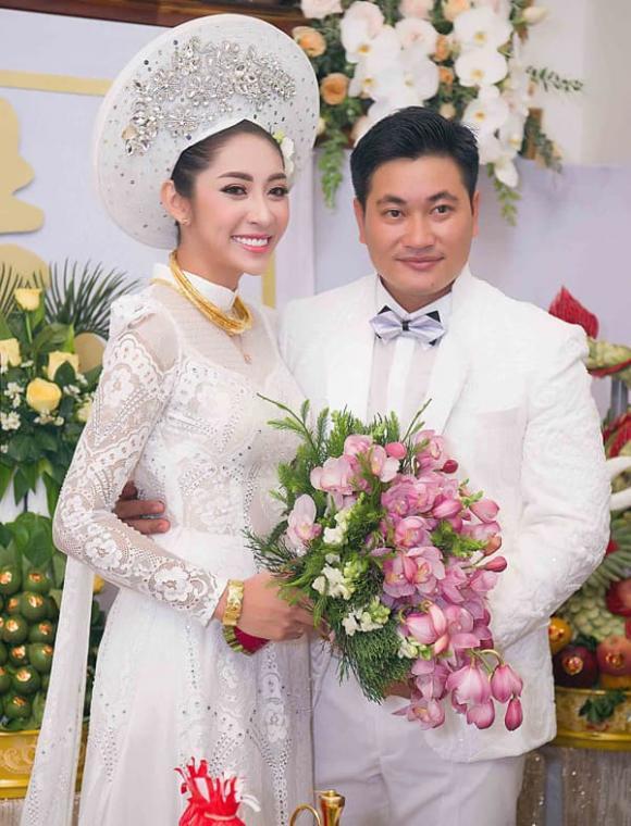 Hoa hậu Đại dương Đặng Thu Thảo, sao Việt