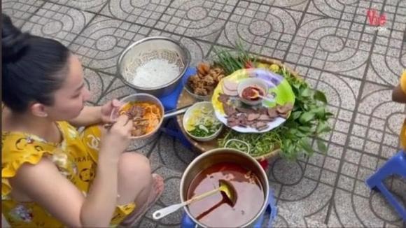 Lê Dương Bảo Lâm, Quỳnh Quỳnh, khoe đồ ăn ngon, tụ tập mùa dịch, sao Việt