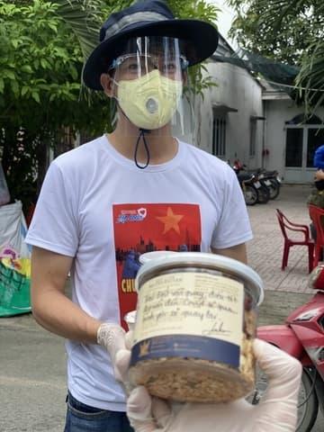 MC Minh Khang, Sao Việt, Tình nguyện viên chống dịch