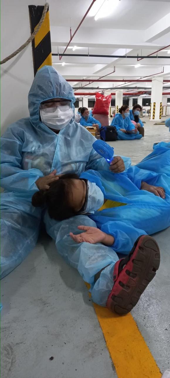 Kim Đào và con trai thông báo được xuất viện sau 14 ngày mắc Covid-19, nhiều sao Việt gửi lời chúc mừng