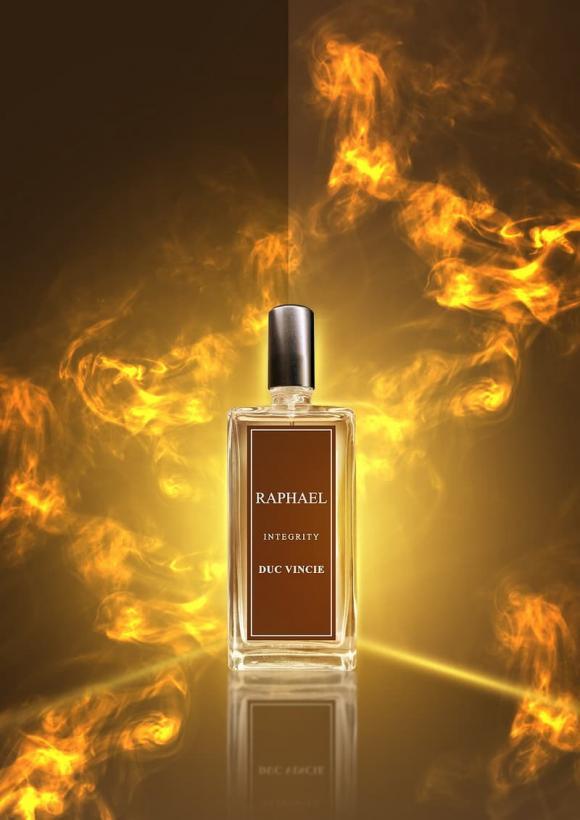 Đức Vincie, nước hoa RAPHAEL