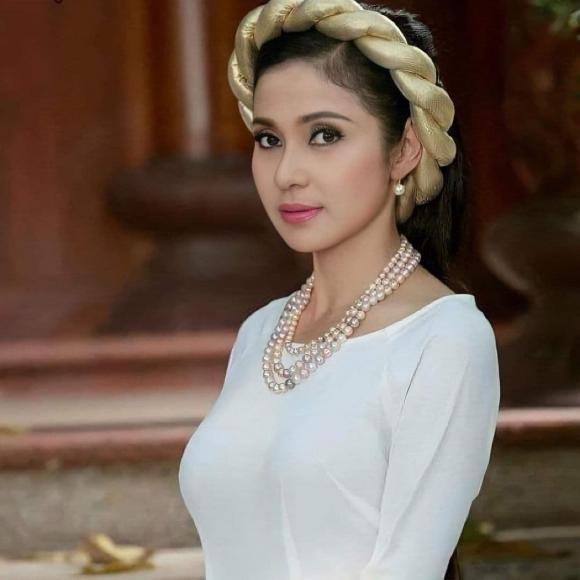 Việt Trinh, diễn viên Việt Trinh, sao Việt