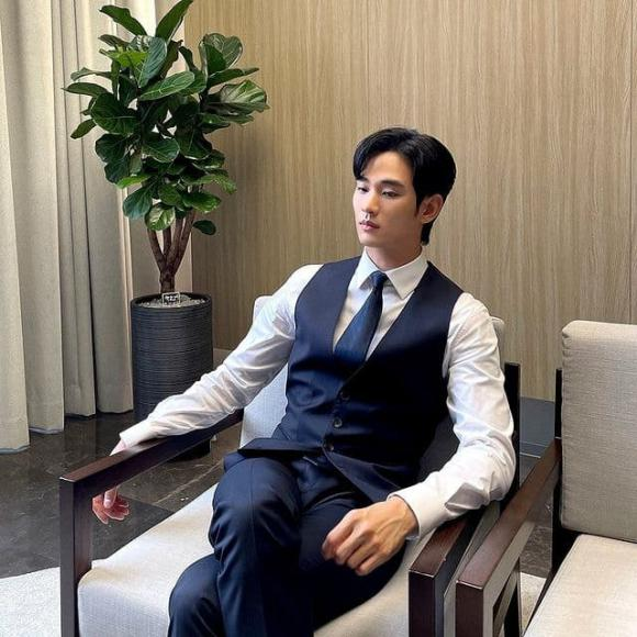 kim soo hyun, lịch lãm, chủ tịch, sao hàn