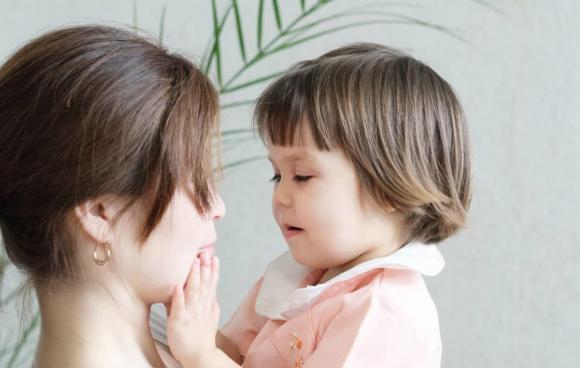 chăm sóc trẻ nhỏ, lưu ý khi chăm sóc trẻ, chăm sóc trẻ trước 12 tuổi