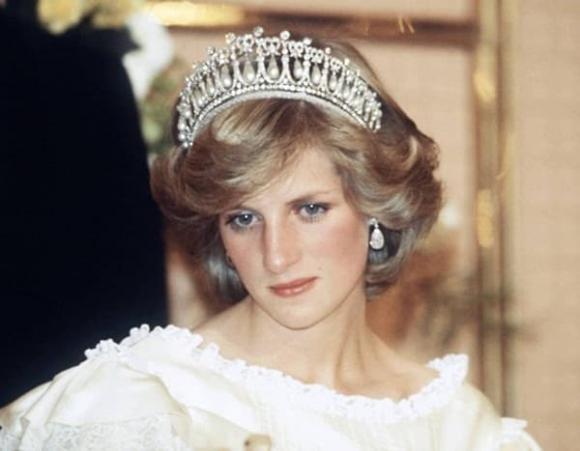Charles từng nói một câu trong ngày cưới khiến Công nương Diana đau lòng suốt nhiều năm, vô tình lại tiên tri đúng cái kết sau này với bà Camilla