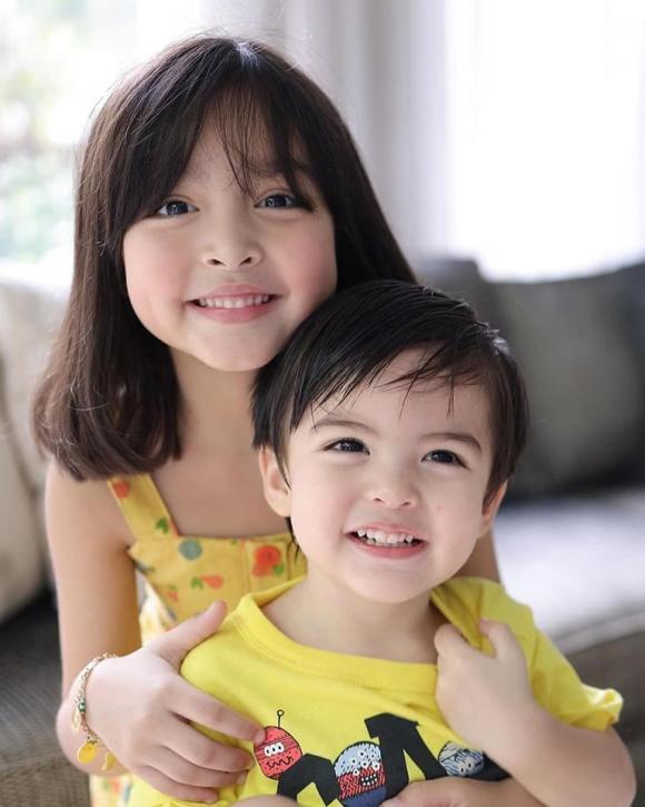 Cưng xỉu khoảnh khắc hai thiên thần nhà 'Mỹ nhân đẹp nhất Philippines' quấn quýt bên nhau