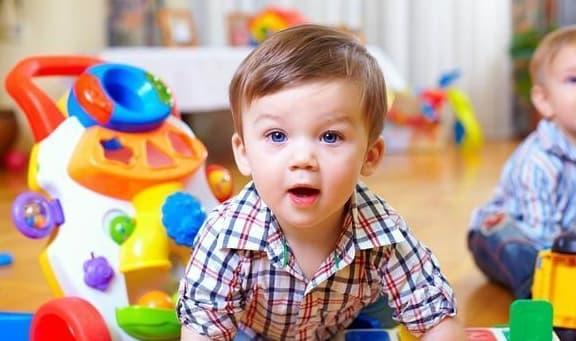 đặc điểm của trẻ thông minh, trẻ thông minh từ nhỏ, trẻ có chỉ số IQ cao