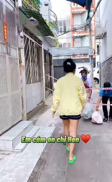 Phương Mỹ Chi, Nữ ca sĩ, Hoa hậu H'Hen Niê, tiếp tế lương thực, covid