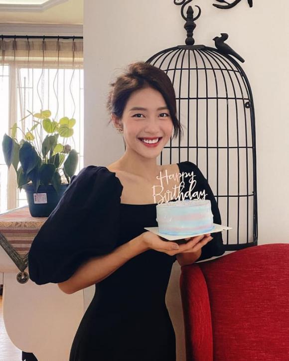 Khả Ngân, Sao Việt, Nữ diễn viên, Ốm nặng