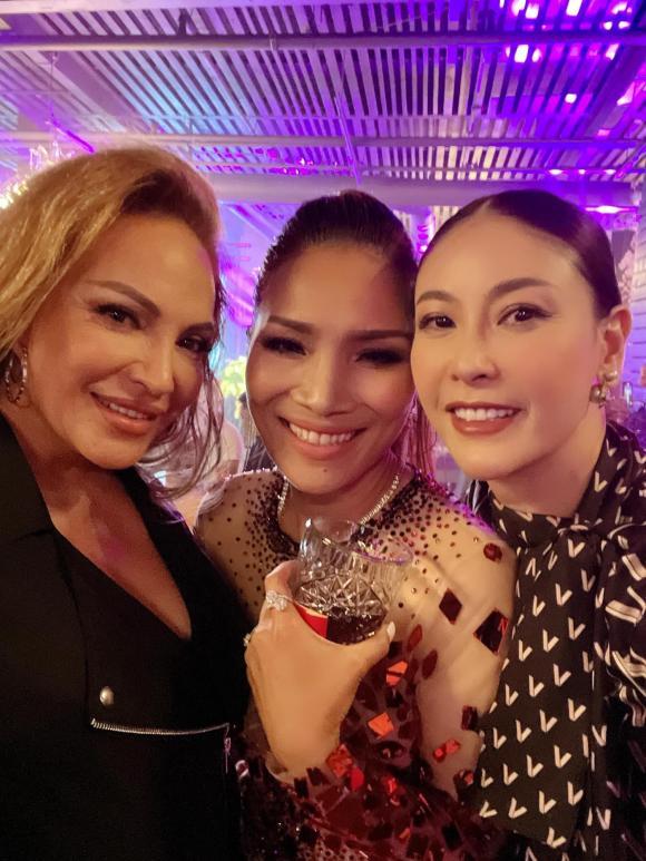 Hoa hậu Hà Kiều Anh, ca sĩ Hồng Ngọc, sao Việt